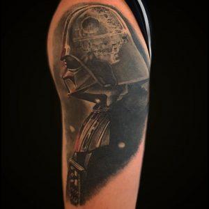 Damian Dyhrberg tattoo extravaganza