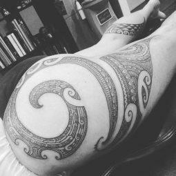 Taryn 'Te Uira' Beri tattoo extravaganza